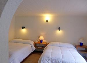 Deluxe Double Room with Two Double Beds with Terrace