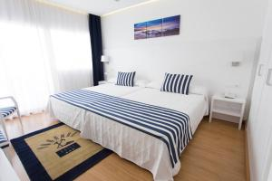 Superior Double or Twin Room with Terrace (2 Adults + 1 Child)