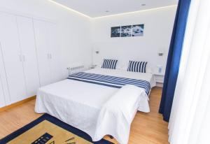 Superior Double or Twin Room with Terrace (3 Adults)