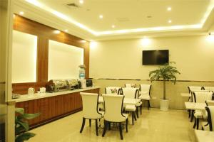 GreenTree Inn Zhejiang Taizhou Tiantai Bus Station Express Hotel, Hotels  Tiantai - big - 27