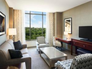 Club Suite with Park View