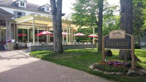Hotel Dallavalle, Hotely  Niagara on the Lake - big - 29