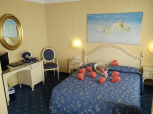 Superior Double or Twin Room with Lagoon View