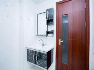 Qingdao Golden Beach Sihaiju Seaview Apartment Diwei Garden Branch, Apartmány  Huangdao - big - 16