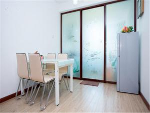 Qingdao Golden Beach Sihaiju Seaview Apartment Diwei Garden Branch, Apartmány  Huangdao - big - 8