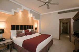 Junior Suite (1 Adult + 3 Children)