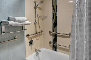 King Room - Disability Accessible with Bathtub