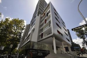 Darlinghurst Fully Self Contained Modern 1 Bed Apartment (11GOUL)