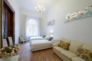 Charles Bridge 3 Bedroom Apartments