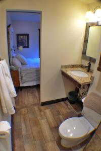 Double Room with Private Bathroom #2