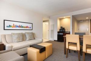 2 Room Premium Suite - Non-Smoking