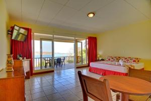 Triple Room with Ocean View