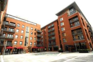 Base Serviced Apartments - Manhattan Place Liverpool