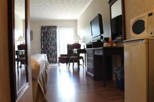 Double Room with Two Double Beds - Ground Floor/Smoking