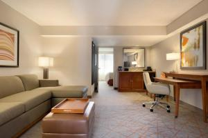 King Suite Hearing Accessible Non-Smoking