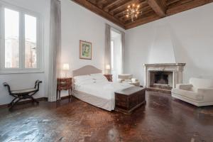 Ancient Palace In Downtown Rome - abcRoma.com
