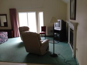 Superior King Suite with Whirlpool