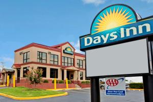 """Days Inn Lawrenceville"""