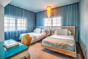 Gold Deluxe Double Room with Two Double Beds