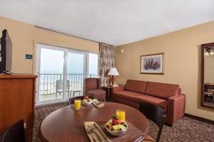 Classic Oceanfront Efficiency Suite