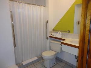Double Room - Disability Access 9