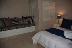 Frinton on Sea4, Apartmanok  Ballito - big - 19