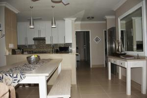 Frinton on Sea4, Apartmanok  Ballito - big - 18