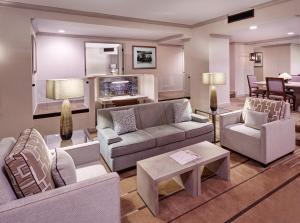 Signature King Suite