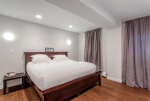 Three-Bedroom Apartment - Sterling Place