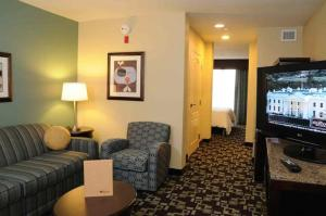 King Jr Suite Evolution Room