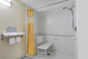 King Room - Disability Access/Smoking