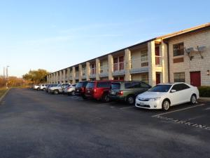 Windcrest Inn and Suites, Motel  Fredericksburg - big - 17