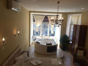Deluxe Room with Jacuzzi