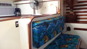 Deluxe One Bedroom Sail Boat
