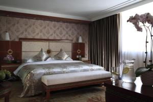 Deluxe Business Double Room - Single Breakfast Included