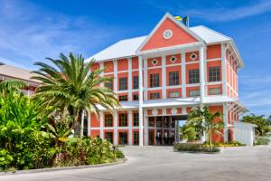 Photo of Pelican Bay Hotel