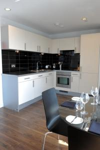 TheHeart Serviced Apartments - 3 of 24