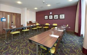 Hampton by Hilton Luton Airport (5 of 24)