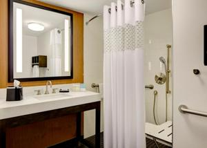 King Room - Mobility Access - Roll In Shower