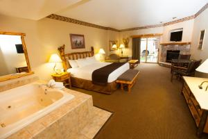 Fireplace Suite with Spa Bath