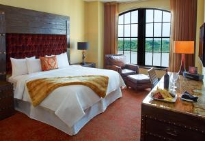 Larger King or 2 Queen Beds with River View