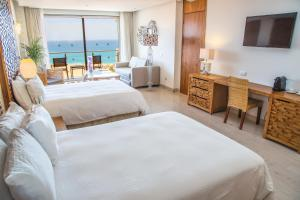 Finisterra Junior Suite (2 Adults)