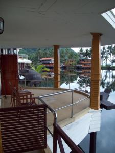 Aunchaleena Beach Front Resort, Koh Chang (Chomnapha Boat)