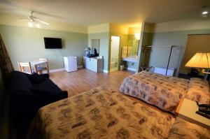 Superior Double Room with 2 Double Beds and Ocean View