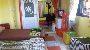 Orasa Homestay, Homestays  Sattahip - big - 16