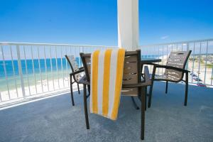 King Suite - Beachfront with Balcony