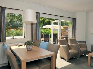 Holiday Home Brouwersdam.9, Holiday homes  Ouddorp - big - 2
