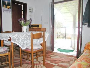 Holiday Home Rudi, Nyaralók  Tkon - big - 8