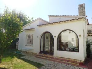 Holiday Home Requesens 3A
