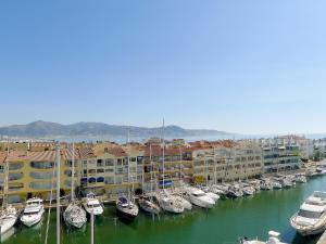 Apartment Club Nàutic.10, Apartmány  Empuriabrava - big - 2